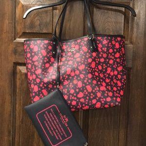 COACH Handbag Tote Bag. Reversible Black/Pink Ruby